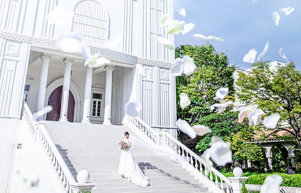 【高さ20M】圧倒的スケールの純白大聖堂を体感×美食体験会